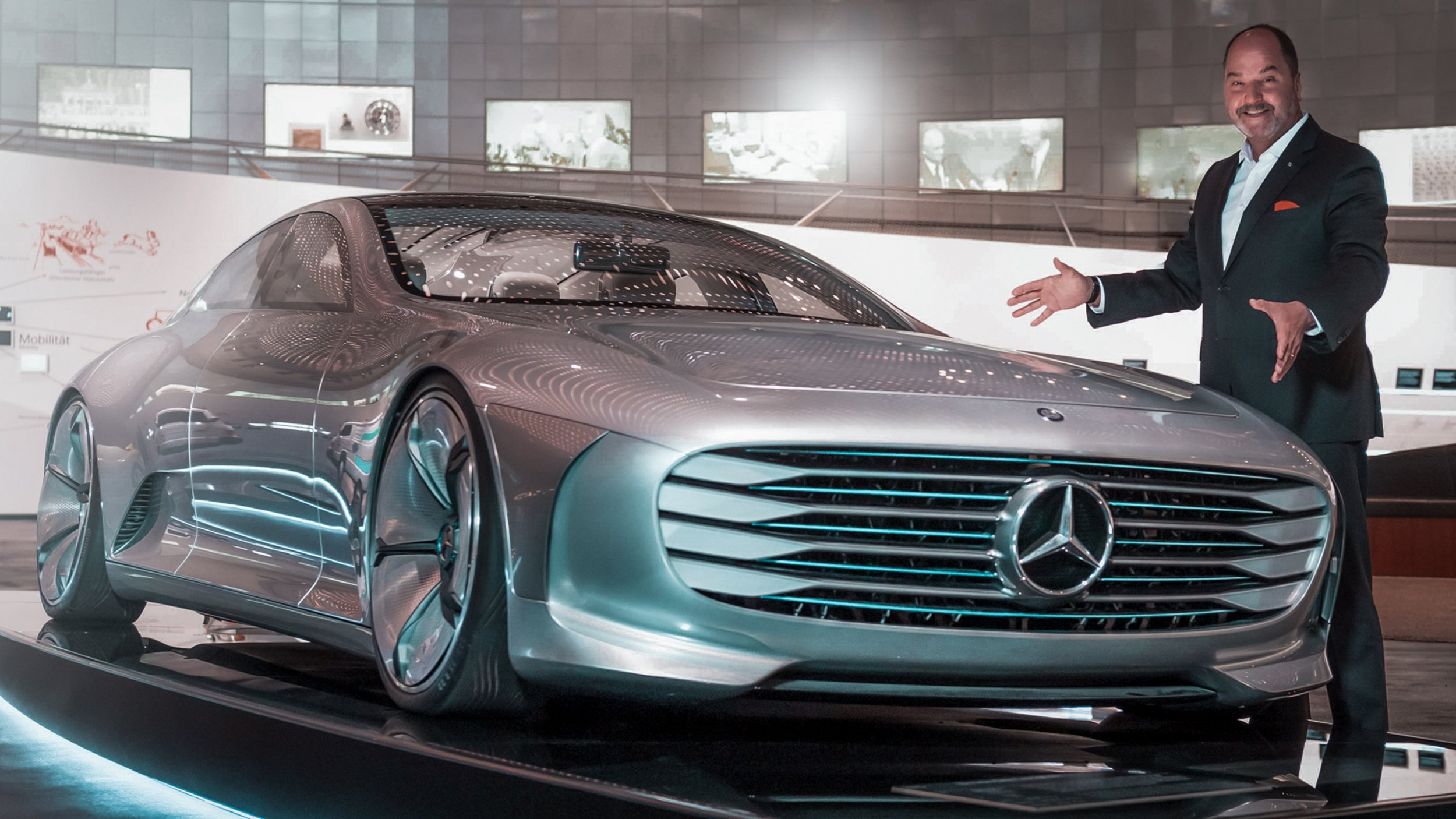https://cloud.mb-lounge.com/files/HQ-Events/Classic/Museum/01-mercedes-benz-museum-special-guided-tours-future-of-mobility-v2-2560x1440.jpg