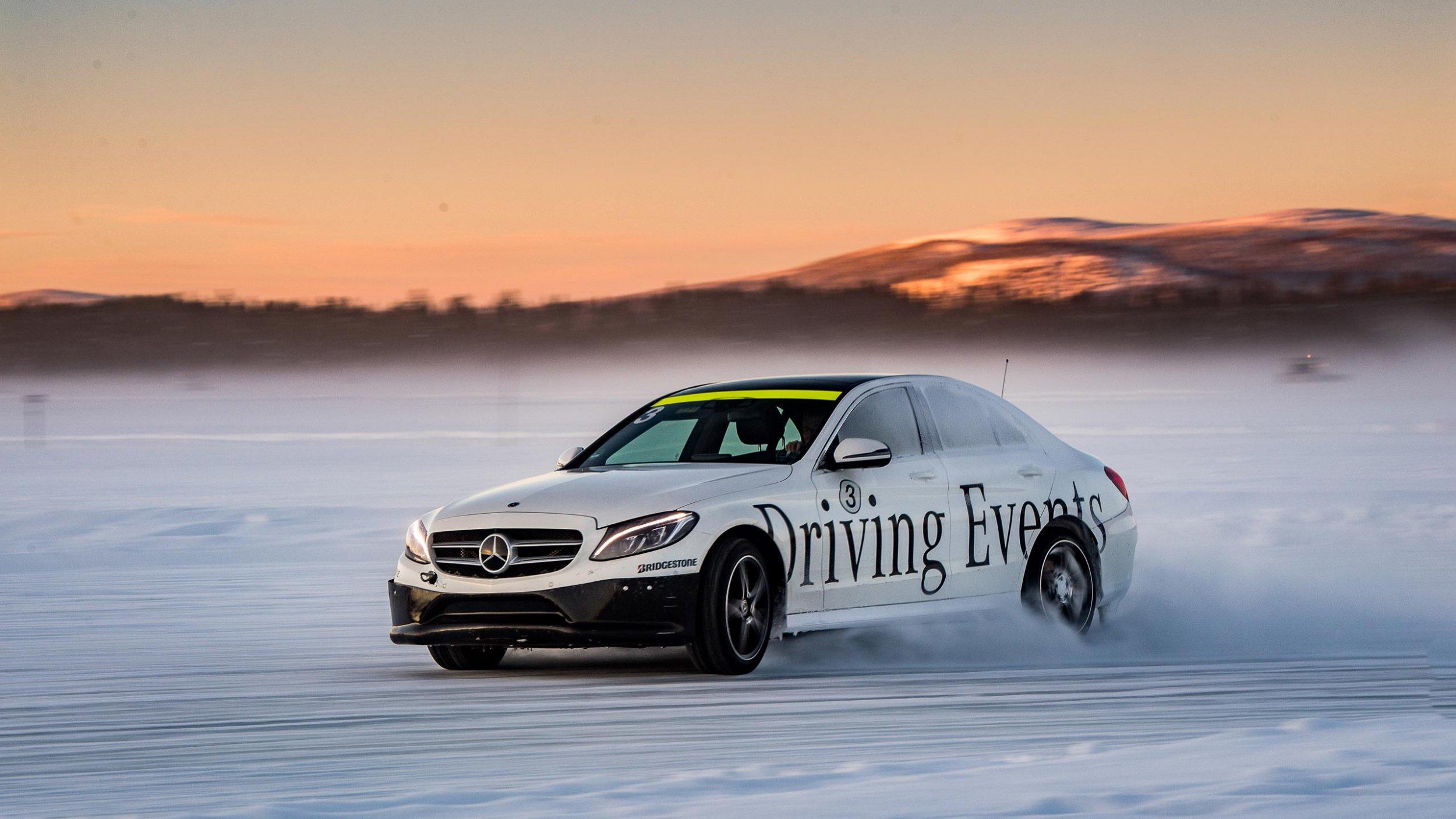 https://cloud.mb-lounge.com/files/HQ-Events/Driving%20Events%20Onroad%20Winter/mbcom_driving-events_WOS_Advanced_2_2560x1440.jpg