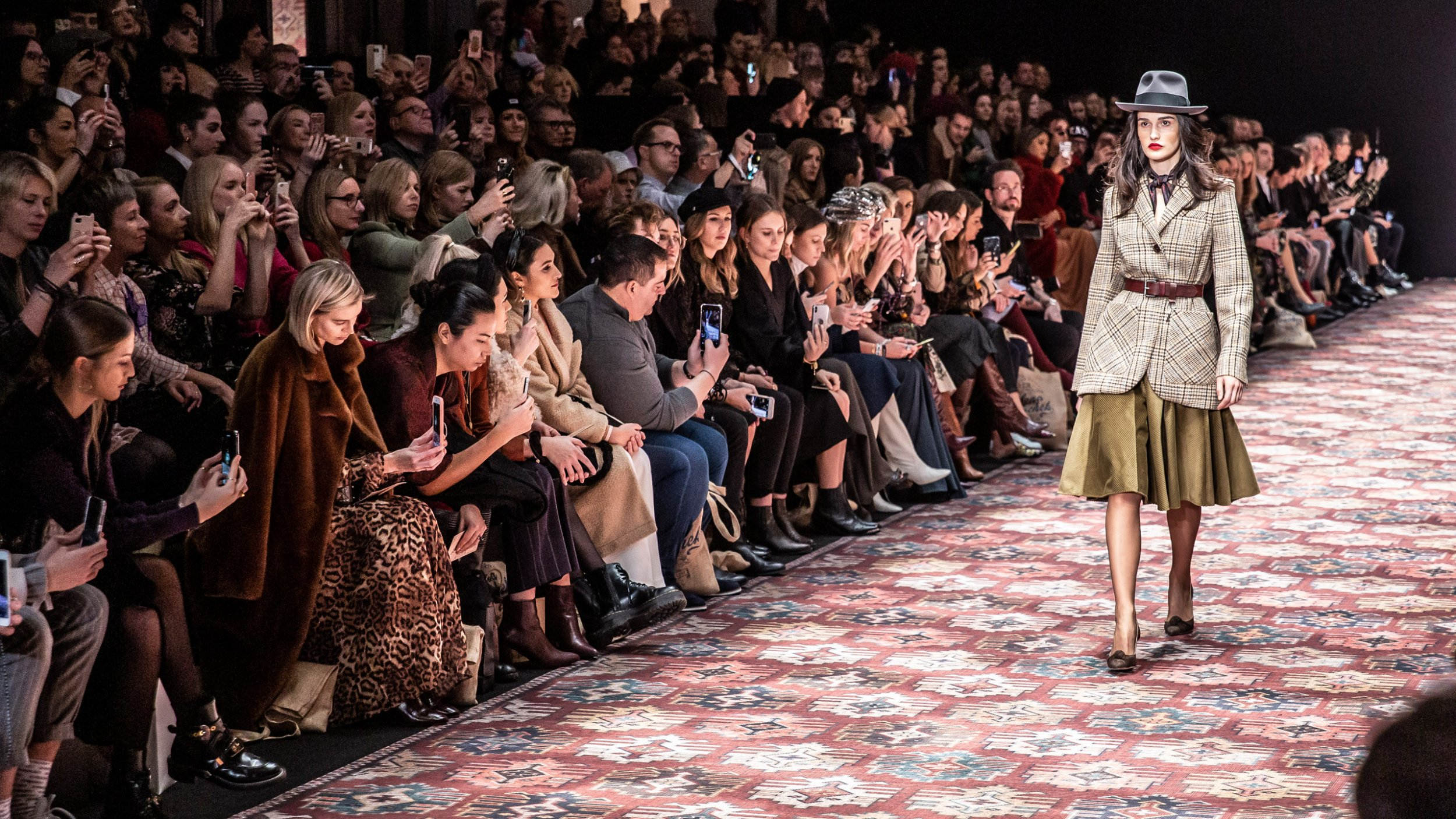 https://cloud.mb-lounge.com/files/HQ-Events/Lifestyle/Fashion/event-calendar-fashion-week-berlin-2-2560x1440.jpg
