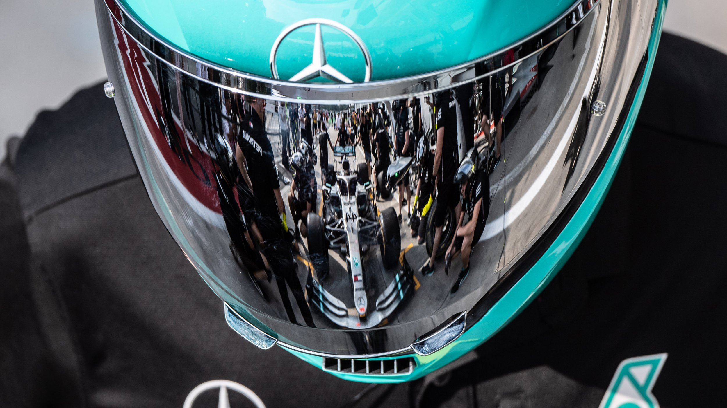 https://cloud.mb-lounge.com/files/HQ-Events/Motorsport/Formel%201/event-calendar-mercedes-benz-formula-1-grand-prix-vietnam-2560x1440.jpg